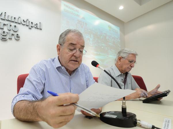 Audiência Pública de apresentação das Metas Fiscais do 3º quadrimestre de 2019. Com a fala, o vereador Idenir Cecchim.