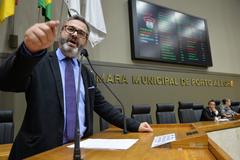 Sindicato dos Municipários de Porto Alegre – SIMPA discute sobre terceirizações no Serviço Público Municipal e Finanças da Prefeitura Municipal de Porto Alegre. Na tribuna, vereador Roberto Robaina.