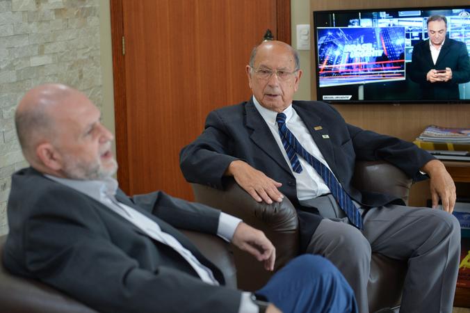 Presidente Reginaldo Pujol visita TV Record. (Foto: Débora Ercolani/CMPA)