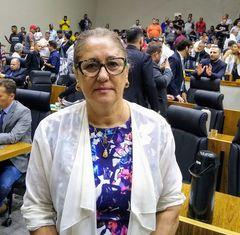 Vereadora Lourdes na sessão extraordinária do dia 30/1