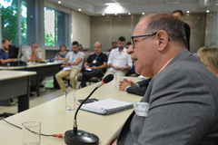 Comissão debate situação de descarte do lixo eletrôlico em Porto Alegre. Com a fala, o Diretor-Geral do DMLU Renê de Souza.