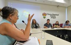 Comissão debate situação de descarte do lixo eletrôlico em Porto Alegre. Com a fala, a Diretora de Depto. do Destino Final do DMLU Mariza Reis.