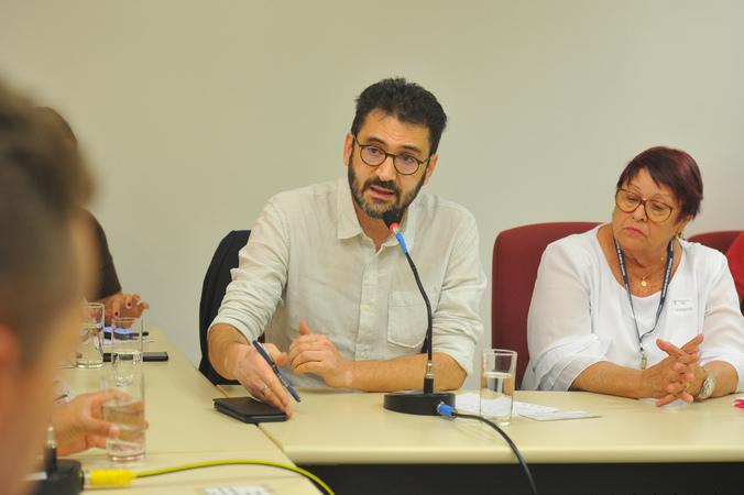 Reunião sobre posse dos diretores das escolas municipais e rotina escolar. Na foto, o secretário municipal de Educação, Adriano Naves de Brito