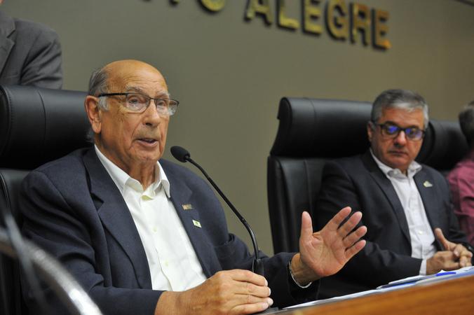 Audiência para debater modificações no transporte público de Porto Alegre