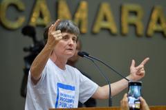 Vera Guasso, do Sindppd, defendeu Procempa pública