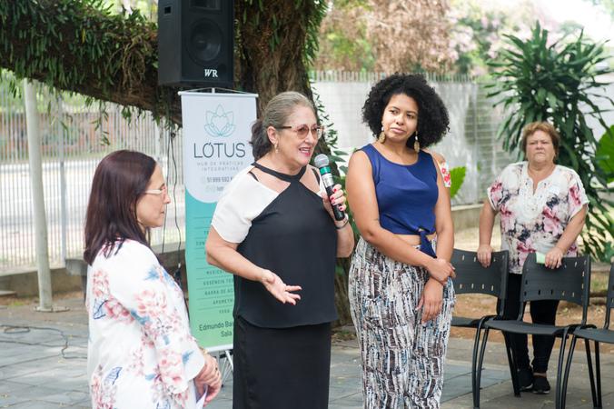 Homenagem ao Dia da Mulher promovida pelo Procuradoria Especial da Mulher. Vereadora Lourdes Sprenger ao microfone