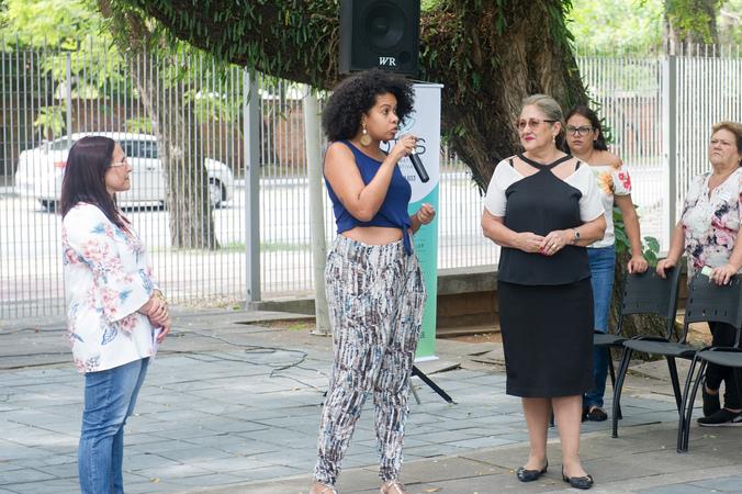 Homenagem ao Dia da Mulher promovida pelo Procuradoria Especial da Mulher. Vereadora Karen Santos ao microfone