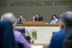 Reunião da CPI com a finalidade e investigar fatos relacionados com as denúncias apresentadas no Processo de Impeachment. Ao microfone, o vereador Roberto Robaina.