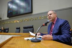 Movimentação de plenário. Na foto, vereador Paulo Brum.