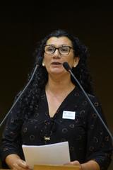 Período de Comunicações temático sobre a leitura, o livro, a escrita e os bibliotecários. Na foto, presidente da Associação Rio-grandense de Bibliotecários, Neli Miotto.