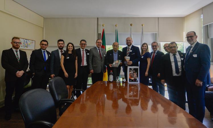Presidente Reginaldo Pujol recebe visita de Líderes da Igreja Adventista.