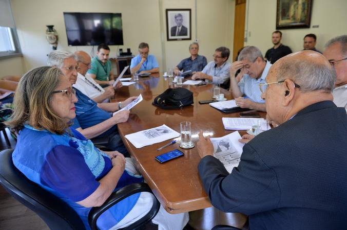 Reunião extraordinária da Mesa Diretora.