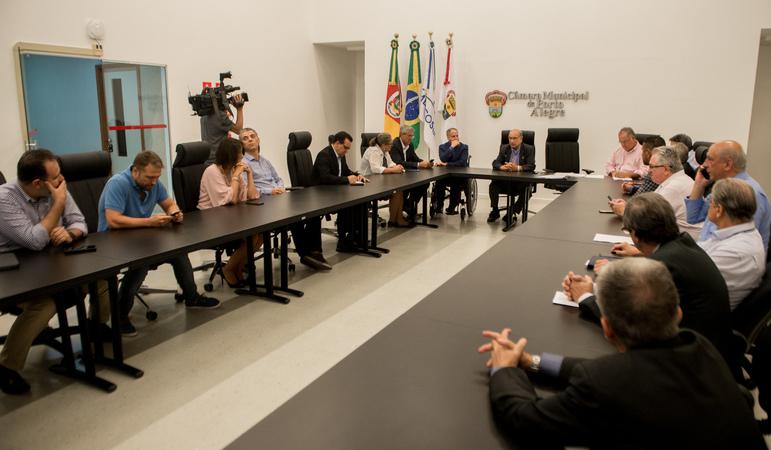 Reunião Extraordinária de Líderes e da Mesa Diretora debate medidas preventivas a serem adotadas pelo Legislativo.