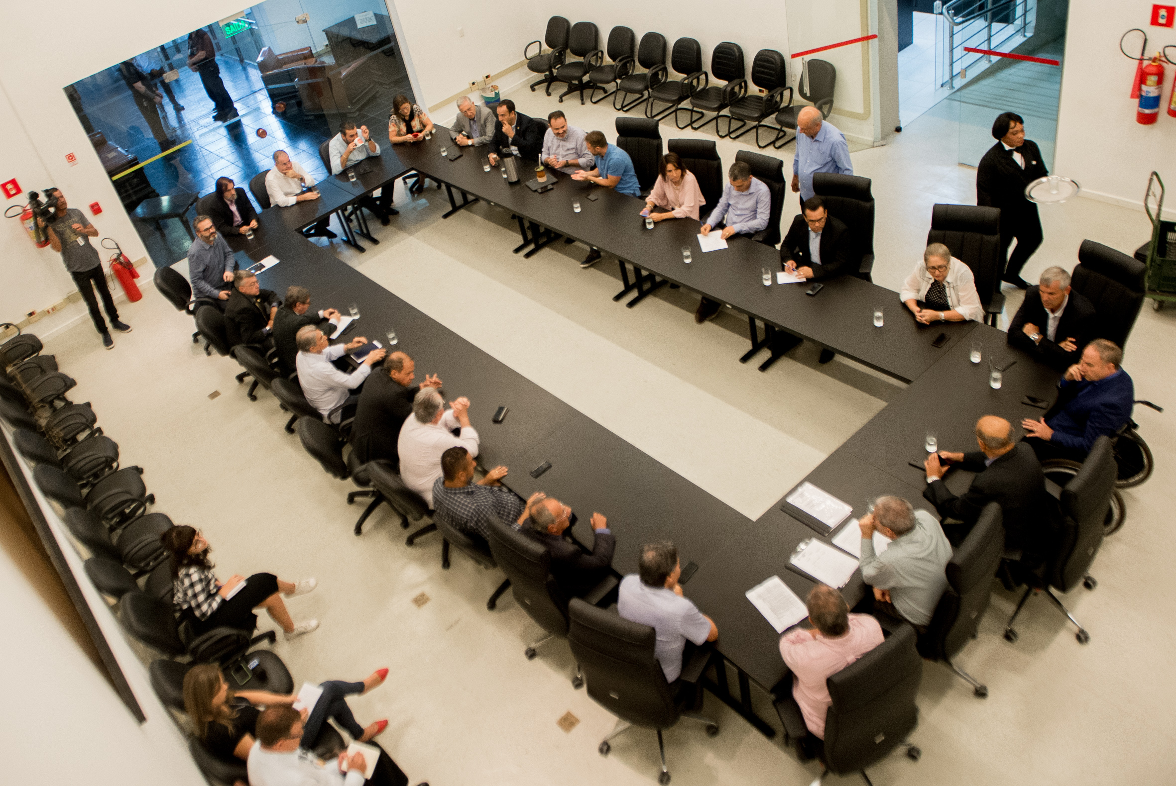 Decisões foram tomadas em reunião de Mesa e Líderes na manhã desta segunda-feira