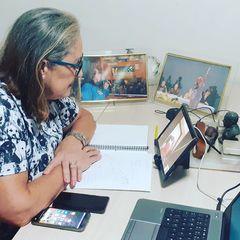 Vereadora Lourdes em trabalho remoto pelo distanciamento social