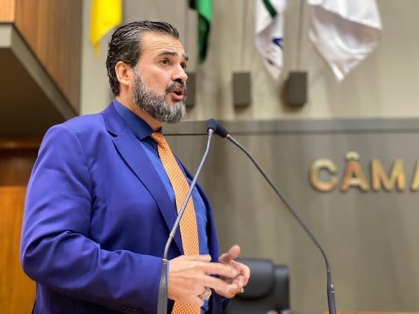 Vereador Claudio Janta pede investimento na proteção do emprego e geração de renda