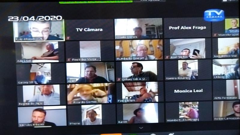 Reunião online dos vereadores.