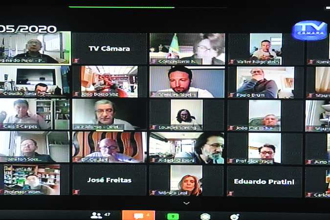 Sessão virtual com os vereadores.