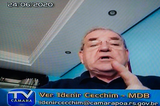 Manifestações de lideranças na sessão desta quarta (24/6). Na foto: vereador Idenir Cecchim