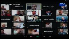Vereadore reunidos pela ferramenta  digital Zoom
