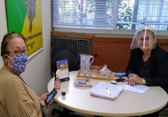 Vereadora Lourdes com apoiadora da causa animal