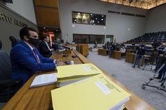 Leitura do relatório foi feita na tarde desta sexta-feira no Plenário Otávio Rocha