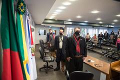 Sessão Solene em homenagem à Revolução Farroupilha e de entrega da Comenda Glaucus Saraiva ao Sr. Giovani Osório Tubino.  Na mesa, à partir da esquerda:  Maxoel Bastos de Freitas, Giovani Osório Tubino, Cássio Trogildo, Luciano Alabarse e Sandra Abech.