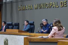 Depoimento da sra. Marta Rossi, testemunha do Prefeito Nelson Marchezan Júnior. Com a fala presidente da comissão vereador Hamilton Sossmeier.
