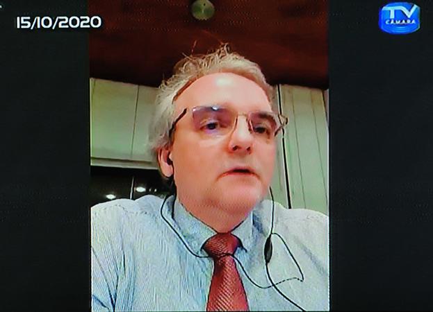 Audiência Pública para debater sobre o PLL 377/17, que trata sobre a remuneração dos agentes públicos. Com a fala, presidente da APMPA Cezar Emilio Sulzbach.