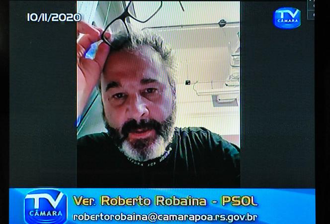 Audiencia Publica para debate do PL sobre a regra de identificação em aplicativos de transporte. Com a fala, vereador Roberto Robaina.