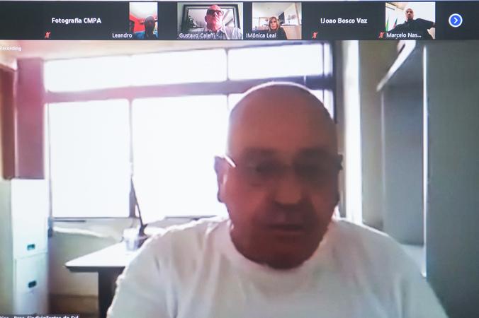 Reunião online sobre vigilância e segurança.