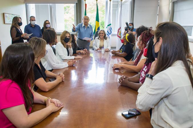 Lourdes Sprenger recepciona as vereadoras da próxima Legislatura