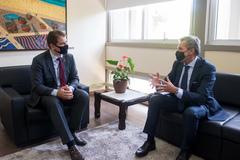Presidente (e) recebeu a visita do cônsul italiano