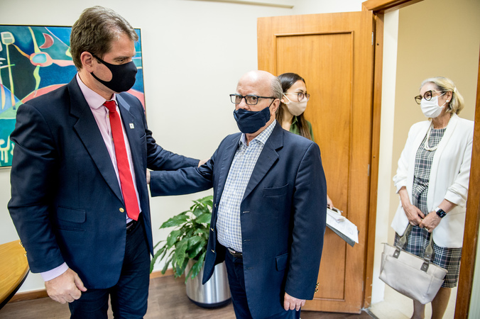Presidente Márcio Bins Ely recebe secretário Cezar Schirmer para falar sobre o Bonde Histórico (Foto: Elson Sempé Pedroso/CMPA)