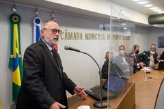 Sessão ordinária semipresencial. Comparecimento do prefeito Sebastião Melo. Na foto, vereador Pedros Ruas