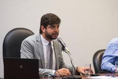Reunião conjunta foi dirigida pelo vereador Felipe Camozzato (Novo)