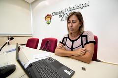 Vereadora Fernanda, presidente da Cece, coordenou reunião virtual com representantes da educação