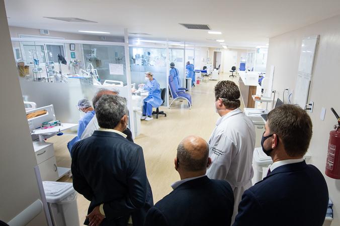 Presidente Márcio Bins Ely e prefeito Sebastião Melo visitam o hospital Vila Nova. Foto: Ederson Nunes/CMPA.
