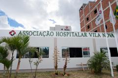 Presidente Márcio Bins Ely e prefeito Sebastião Melo visitam o hospital Vila Nova.