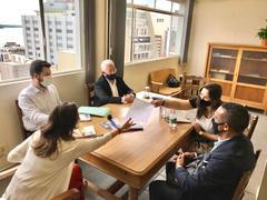 Reunião na Secretaria Municipal de Educação – Seguimos na luta por mais psicólogos nas escolas