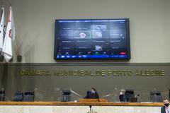 Sessão ordinária híbrida no plenário Otávio Rocha.