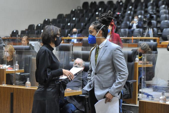Sessão Ordinária - Sessão ordinária híbrida no plenário Otávio Rocha. (Foto: Jeannifer Machado/CMPA)