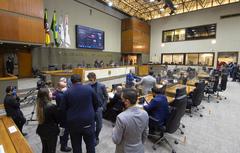 Sessão ordinária teve formato híbrido, com parte dos vereadores em plenário e outra parcela participando de forma virtual