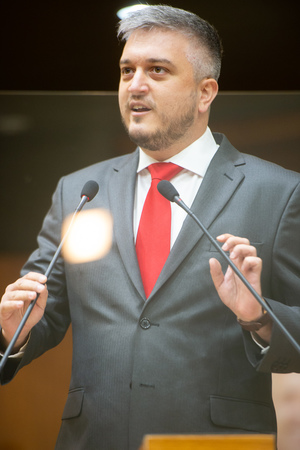 Sessão Ordinária - Sessão ordinária híbrida. Retrato. Vereador Ramiro Rosario. (Foto: Jeannifer Machado/CMPA)