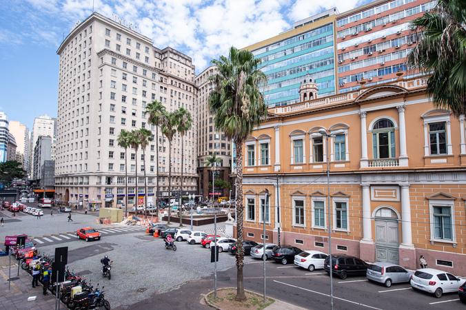 Centro de Porto Alegre. Prefeitura. Prédio. Cidade. Construção. Avenida.