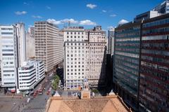 Legislação atual exige que prédios com mais de 16 apartamentos devem ter dependência de zelador
