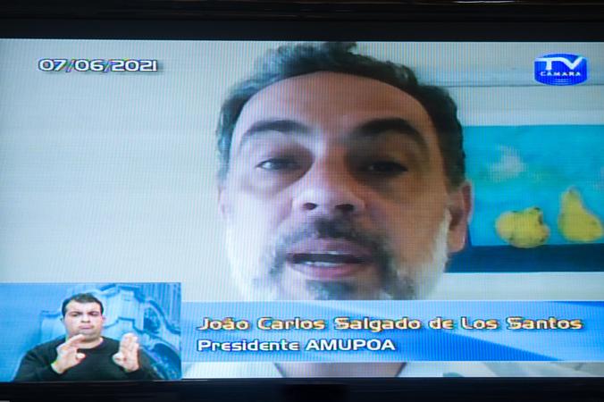 Tribuna Popular com Associação dos Amigos do Museu de Porto Alegre – AMUPOA.