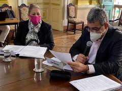 Vereadora Lourdes e prefeito Melo na pauta sobre acumuladores de animais