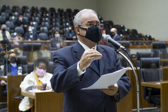 Sessão Ordinária - Sessão Ordinária híbrida. Na foto, vereador Idenir Cecchim. (Foto: Jeannifer Machado/CMPA)