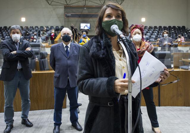Sessão Ordinária - Sessão Ordinária híbrida. Na foto, vereadora Comandante Nádia. (Foto: Jeannifer Machado/CMPA)